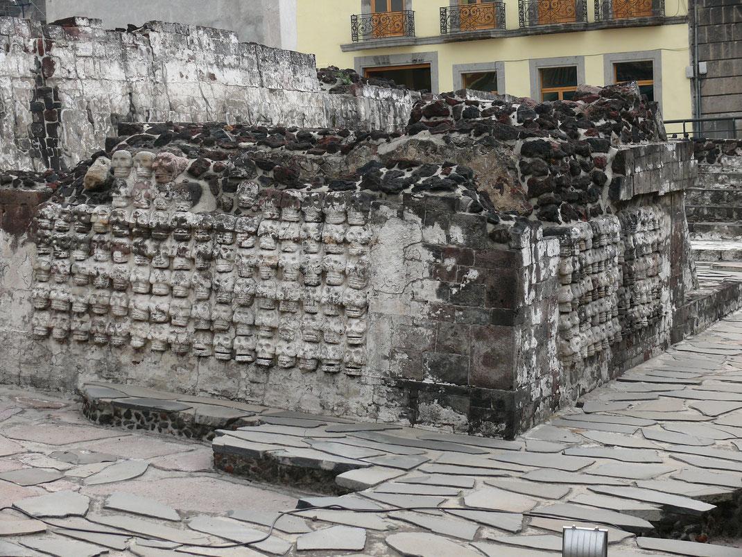 Es ist mittlerweile kein Geheimnis mehr: Auch Menschenopfer gehörten zum Kult der Azteken (Foto Jörg Schwarz)