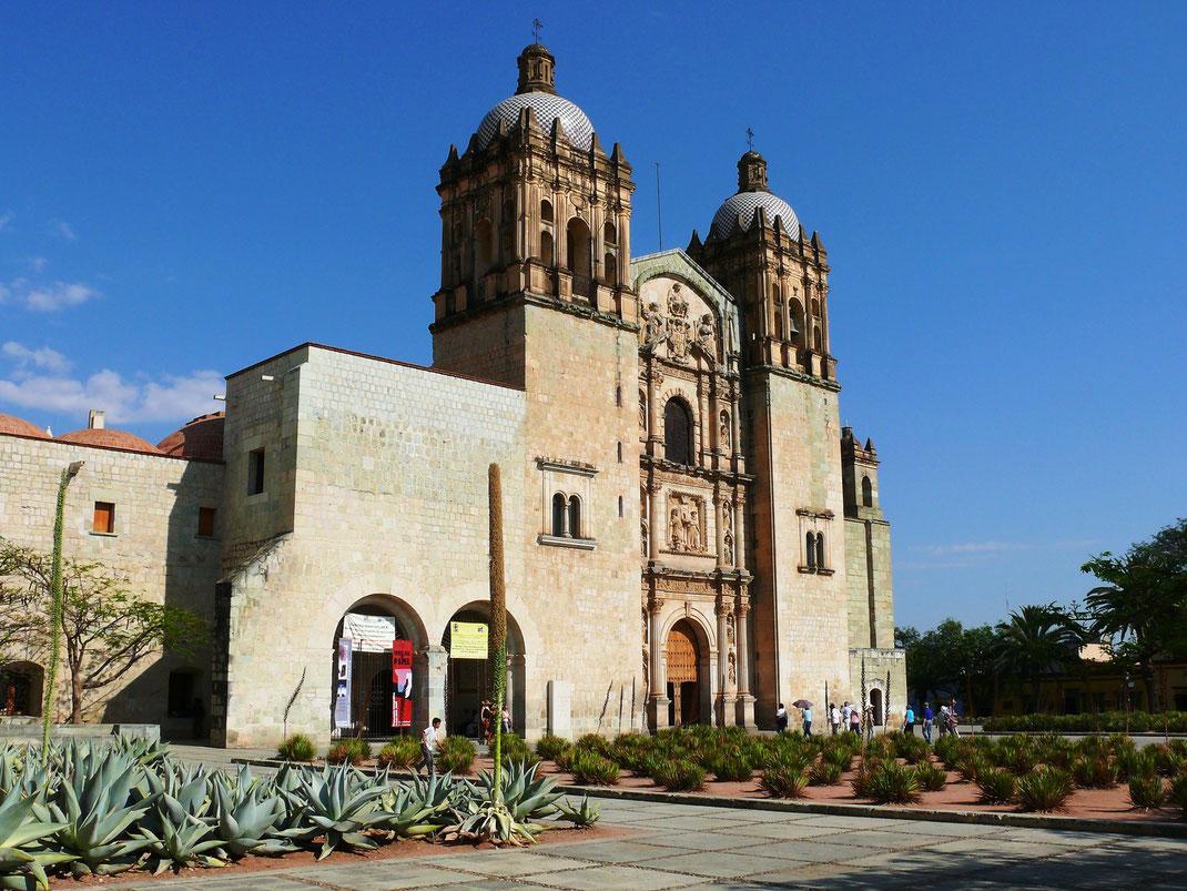 Sehenswürdigkeiten und Kirchen findet man in Oaxaca zu Hauf (Foto Jörg Schwarz)