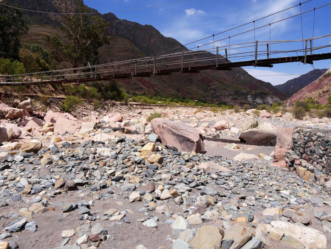 Hat in der Trockenzeit nicht viel Wasser... Cordillera de los Frailes, Bolivien (Foto Jörg Schwarz)