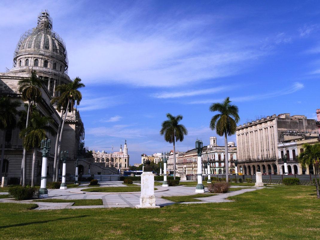 Das Capitol - eine Winzigkeit höher als das US-amerikanische Pendent! (Foto Jörg Schwarz)