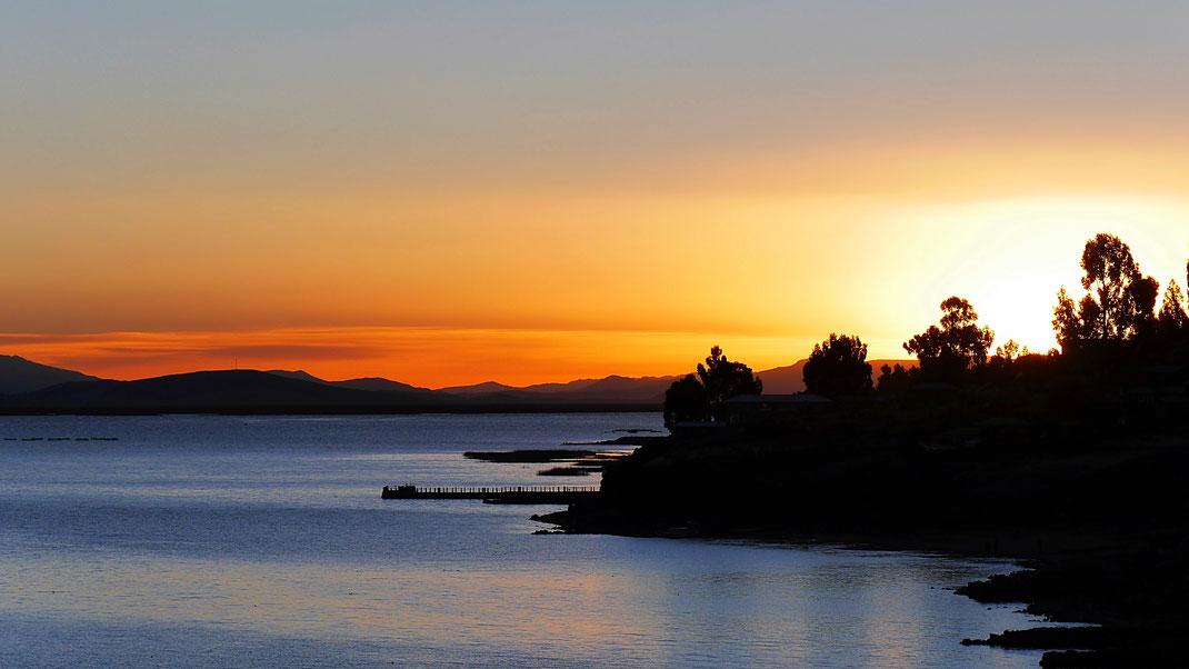 Sonnenuntergang auf Capachica, Titicacasee, Peru (Foto Jörg Schwarz)