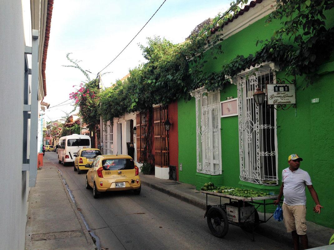 Straßenverkauf prägt hier und da das Bild in Cartagena, Kolumbien (Foto Jörg Schwarz)