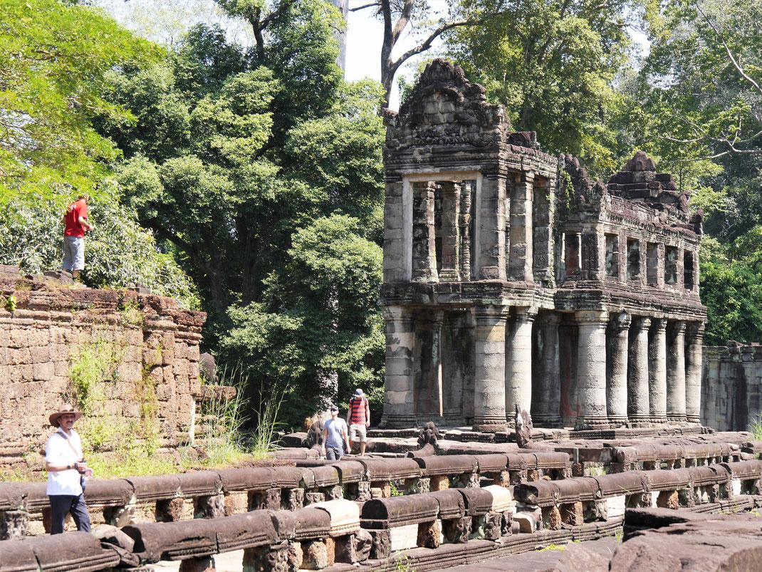 Es ist allerdings heiß jetzt in der Sonne... Preah Khan, Kambodscha (Foto Jörg Schwarz)