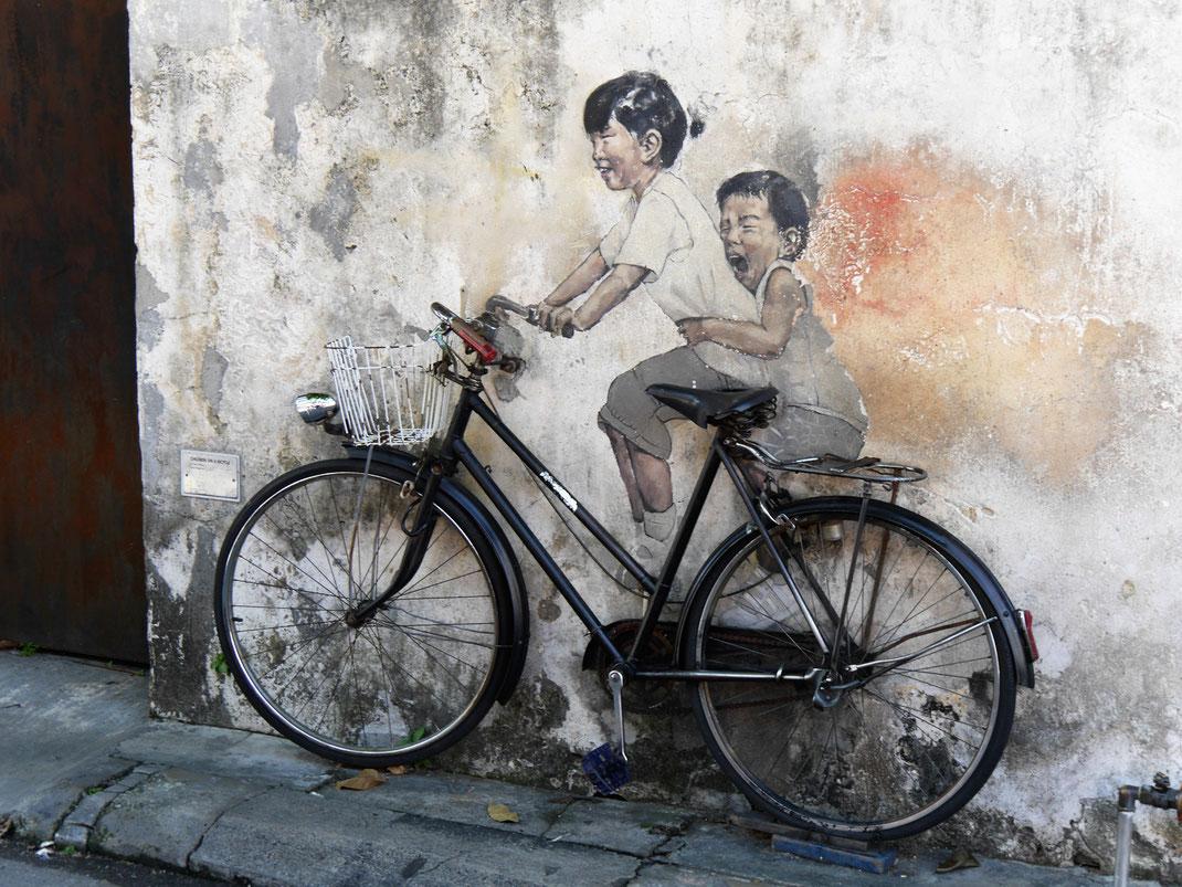Ein oft gewähltes Fotomotiv - Streetart in George Town, Malaysia (Foto Jörg Schwarz)