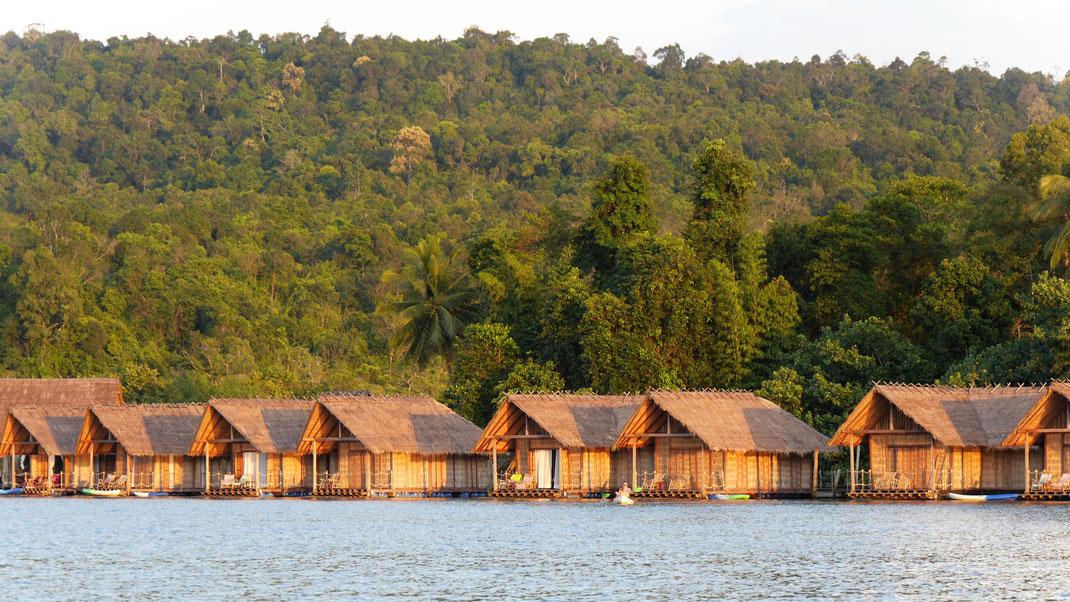 Es gibt in der Region Unterkünfte von wild-romantisch bis luxuriös... Preat-Fluss, bei Tatai-Wasserfall, Region Koh Kong, Kambodscha (Foto Jörg Schwarz)