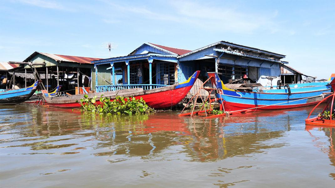 Natürlich hat hier jeder mindestens ein Boot... Kompong Chhnang, Kambodscha (Foto Jörg Schwarz)