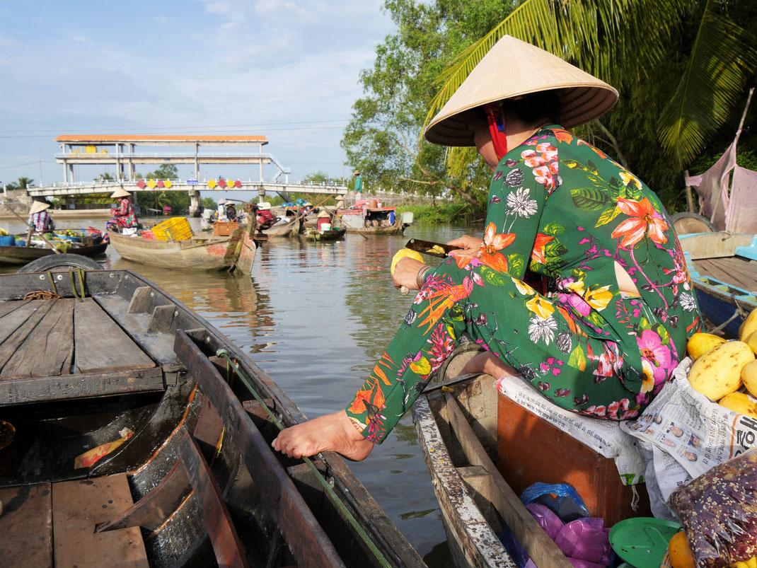 Ein Schwimmender Markt der eher mickrigen aber fotogenen Sorte... Bei Can Tho, Vietnam (Foto Jörg Schwarz)