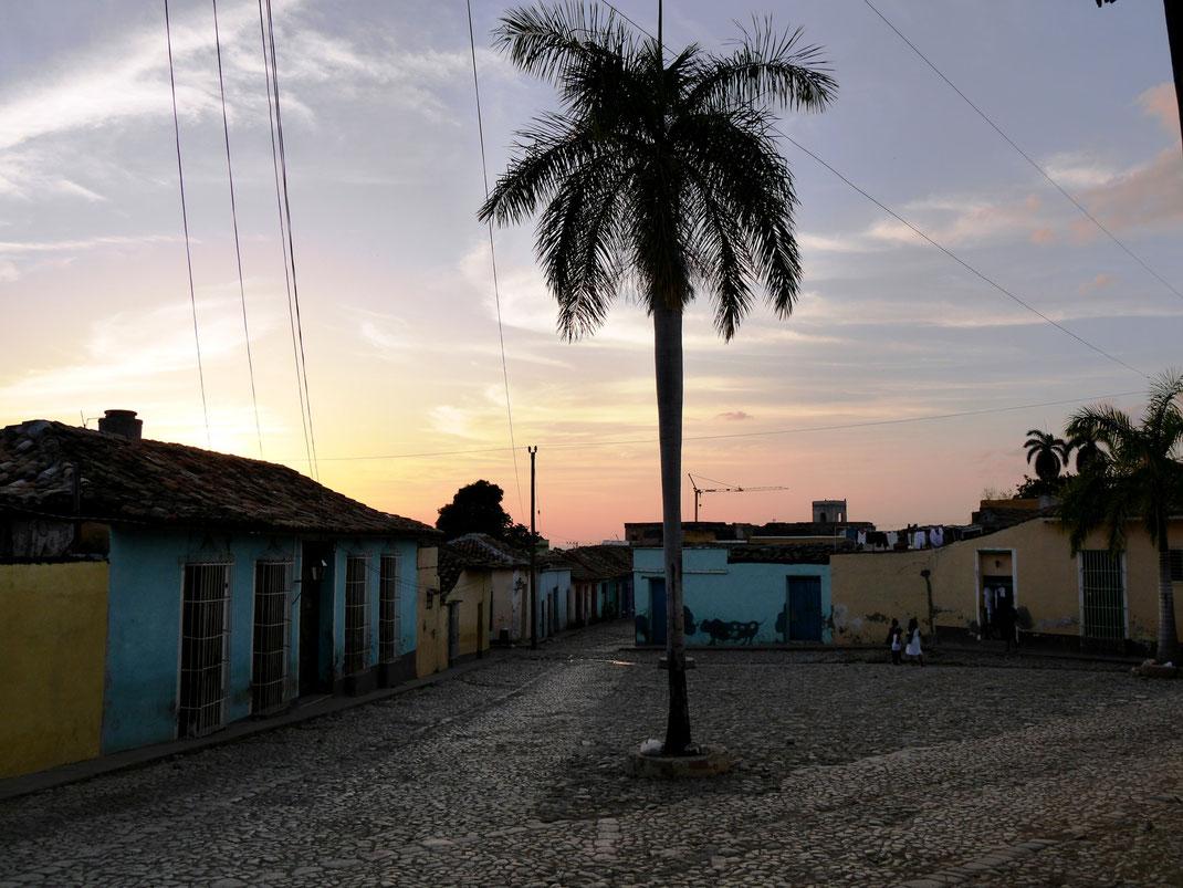 Abendstimmung in Trinidad  (Foto Jörg Schwarz)