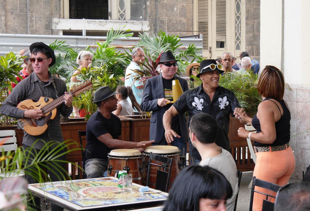 Kubanische Rhythmen überall - Havanna ist durchdrungen vom son... (Foto Jörg Schwarz)