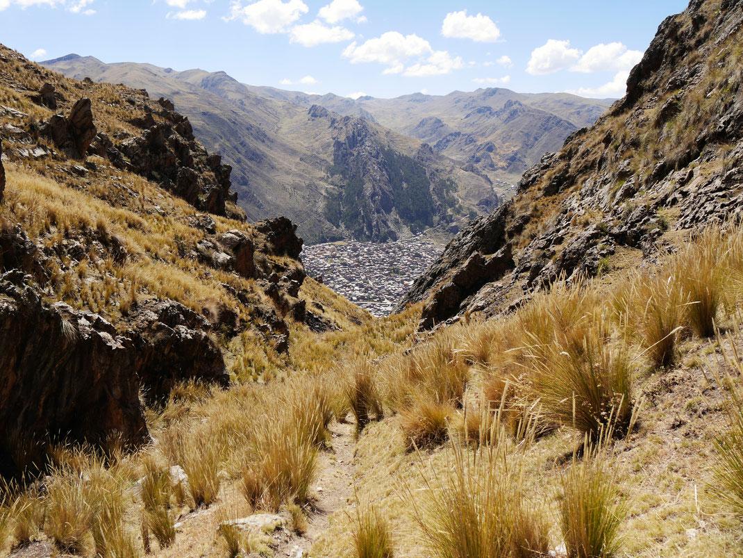 Blick auf Huancavelica aus der Vogelperspektive, Huancavelica, Peru (Foto Jörg Schwarz)