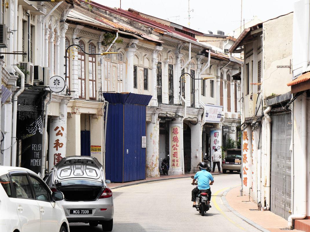 Die alten Storehouses werden liebevoll restauriert ohne ihren Charme zu verlieren... Melaka, Malaysia (Foto Jörg Schwarz)