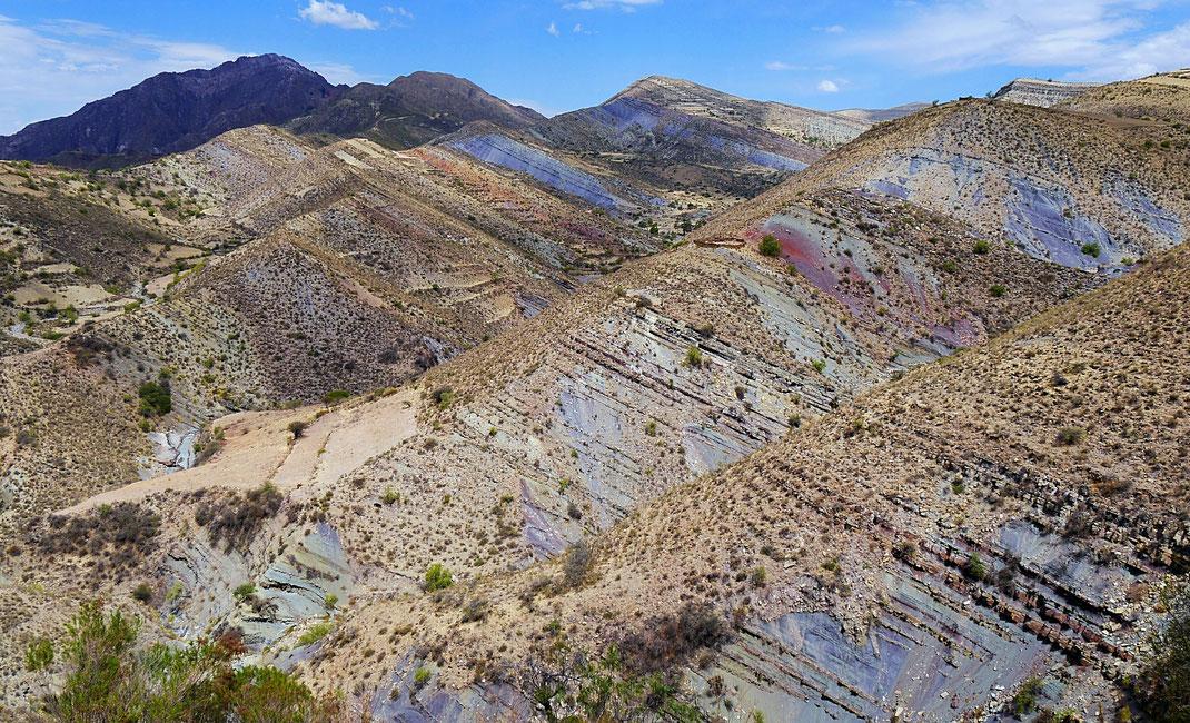 Wundervolle Farben und Formen der vielschichtigen Erde... Crater Maragua, Bolivien (Foto Jörg Schwarz)