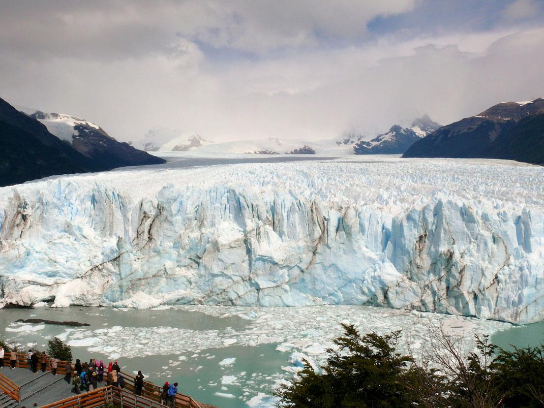 Der Perito Moreno-Gletscher - einziger wachsender Gletscher der Welt (Foto Jörg Schwarz)