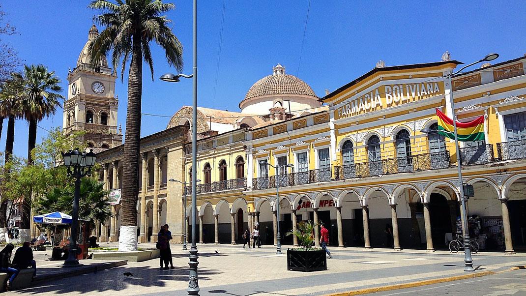 Wunderbare alte Kolonialgebäude an der Plaza, Cochabamba, Bolivien (Foto Jörg Schwarz)