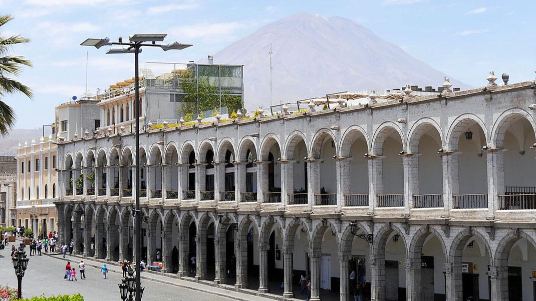 Plaza de Armas, Arequipa, Peru (Foto Jörg Schwarz)