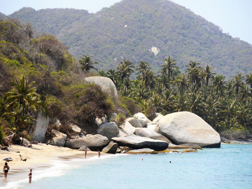 Nein, dies sind nicht die Seychellen... Tayrona Nationalpark, Kolumbien (Foto Jörg Schwarz)