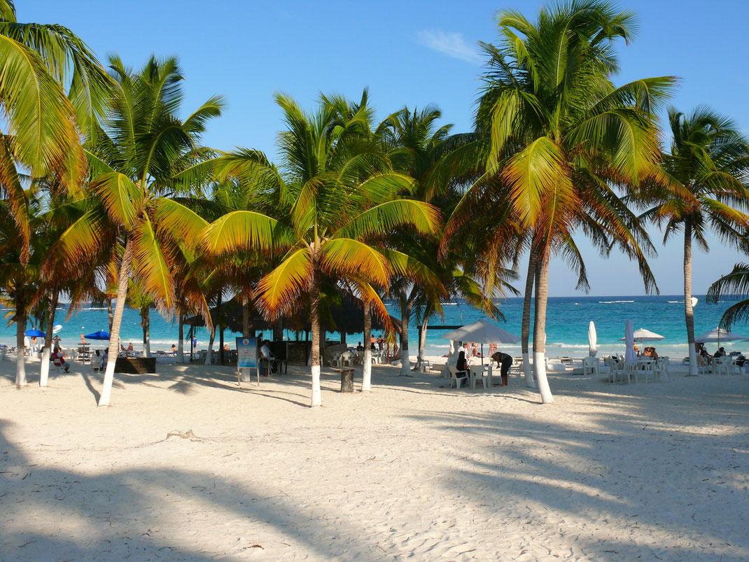 Die Schatten werden länger... Ein Tag am Tulum Beach geht zu Ende (Foto Jörg Schwarz)