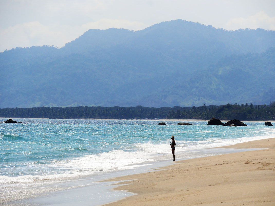 Einsam und menschenleer erleben wir dieses paradiesische Stück Küste... Playa Los Angeles, Kolumbien (Foto Jörg Schwarz)
