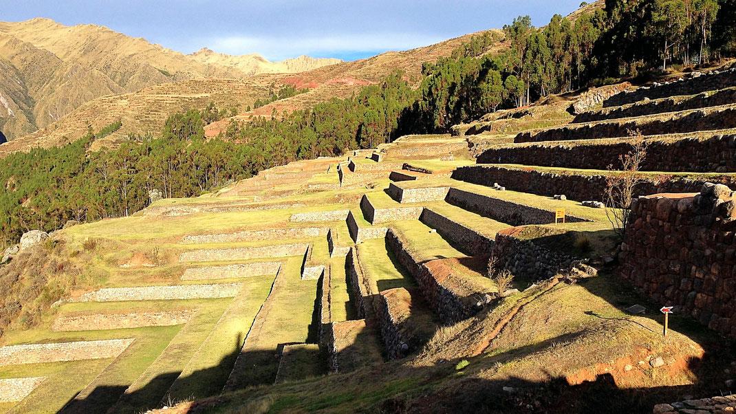Wundervolle Terrassen im Sonnenuntergang, Chinchero, Peru (Foto Jörg Schwarz)