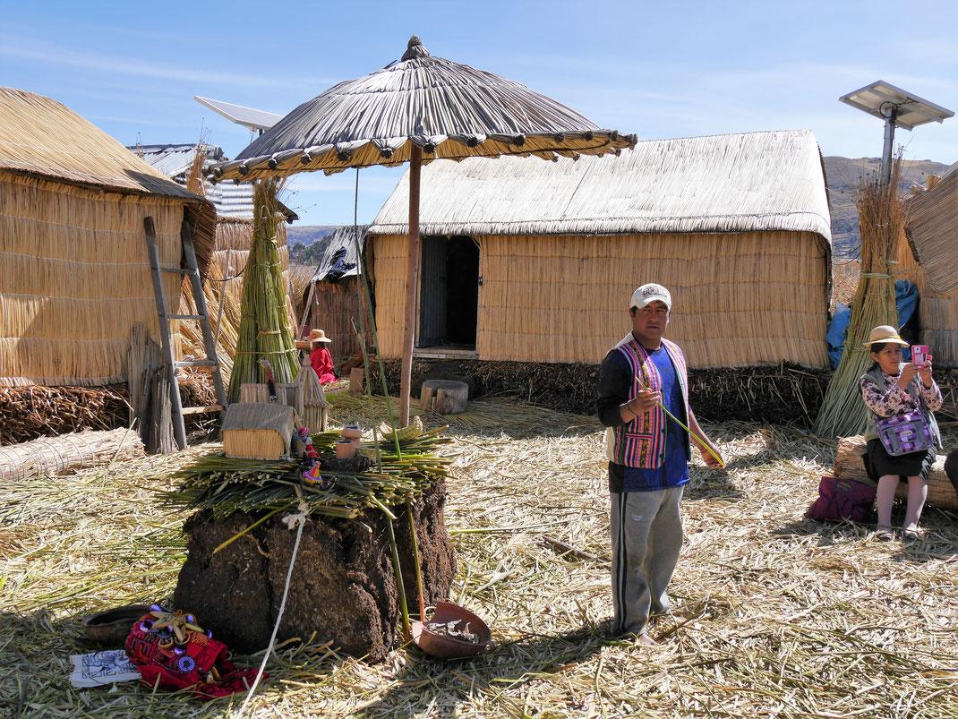 Der interessante Teil: Wie machen die Uros das mit dem Schilf...? Puno, Peru (Foto Jörg Schwarz)