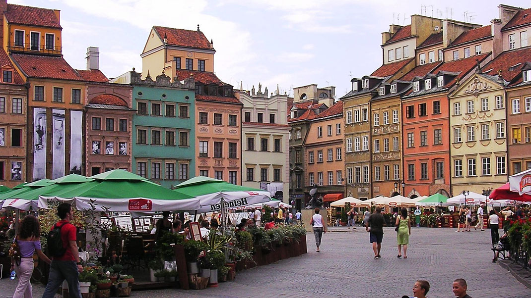 Der wiedererrichtete Altstadtmarkt in Warschau (Foto Jörg Schwarz)