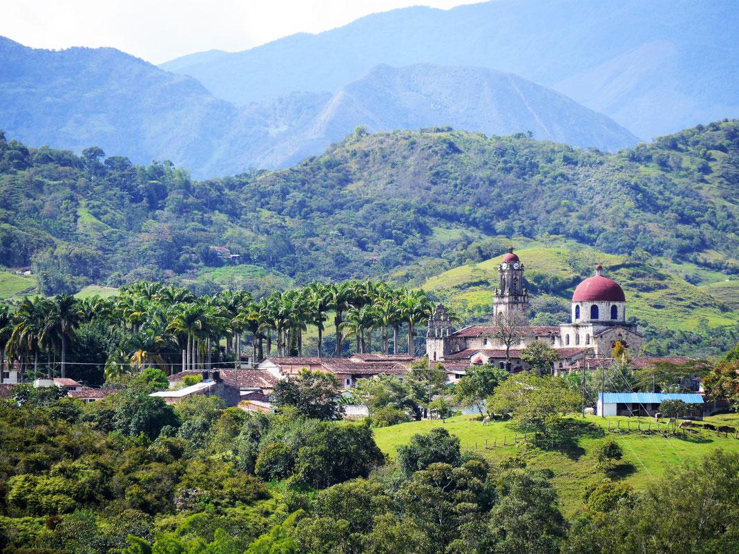 Was für eine Lage: Guadalupe, Kolumbien (Foto Jörg Schwarz)