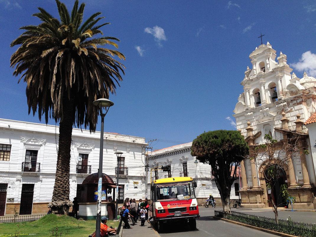 Alle Gebäude in Sucre strahlen in Weiß! Sucre, Bolivien (Foto Jörg Schwarz)
