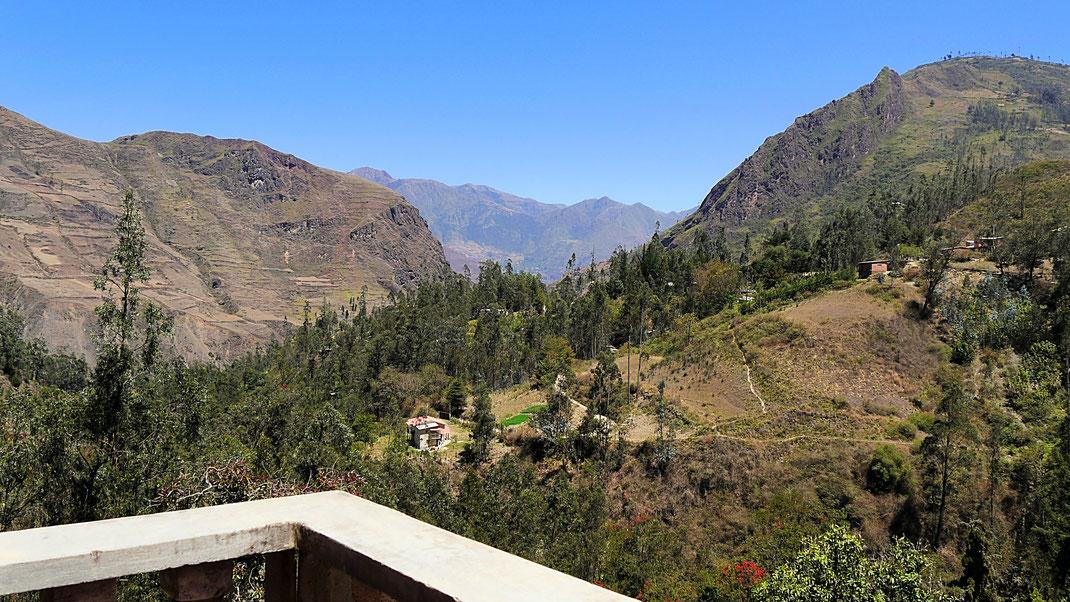 Blick vom Balkon unseres Hostels - Zur Linken, Sorata, Bolivien (Foto Jörg Schwarz)