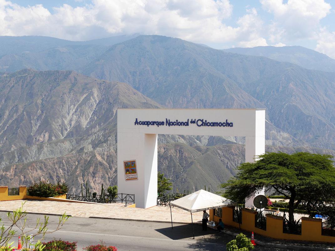 Schon am Eingangsportal des Schluchtennationalparks hat man atemberaubende Ausblicke... Nationalpark Chicamocha, Kolumbien (Foto Jörg Schwarz)
