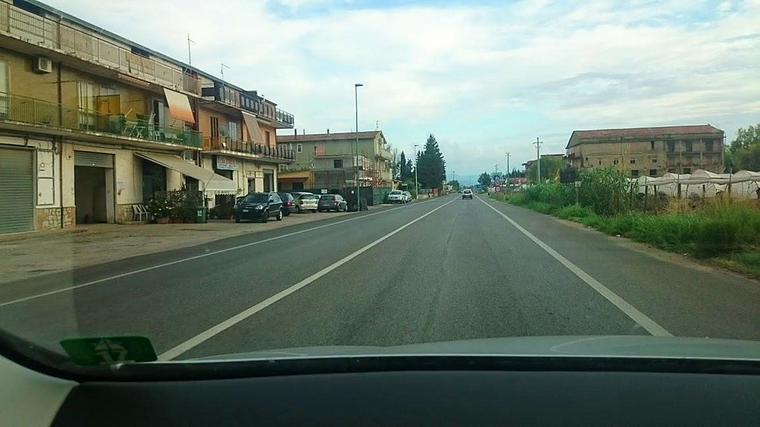 O.K. - Dieser Straßenabschnitt ist neu! (Foto Darius Behrouzi)