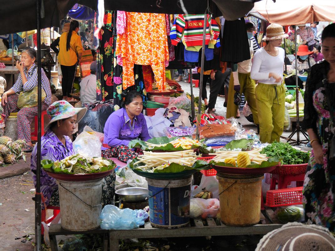 Der Markt Boeng Chhoeuk, Battambang, Kambodscha (Foto Jörg Schwarz)