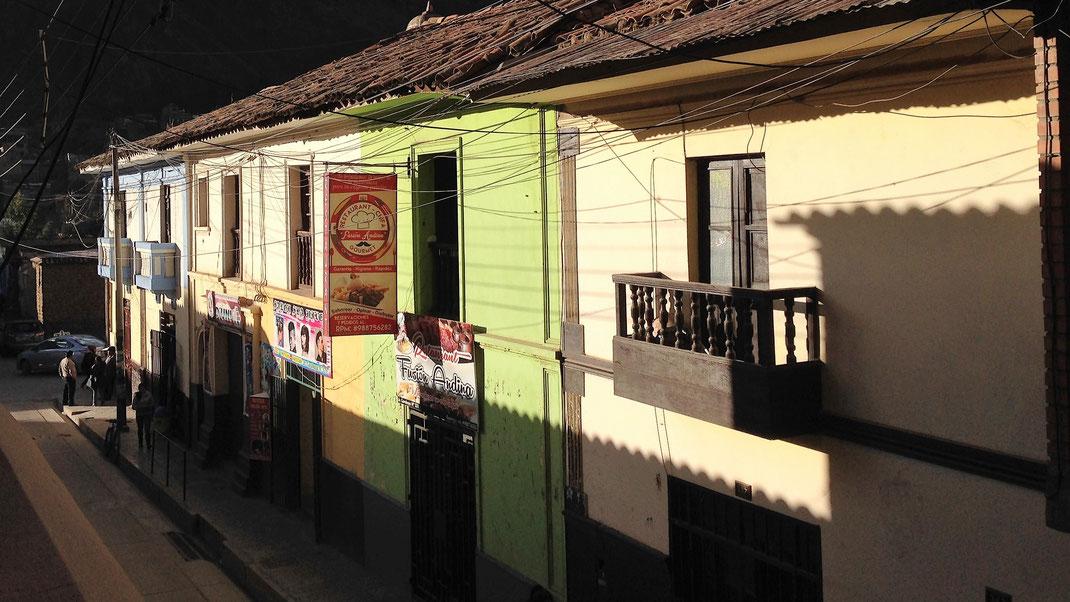 Der Blick direkt aus unserem Hotel: Koloniales Flair wohin man schaut, Huancavelica, Peru (Foto Jörg Schwarz)