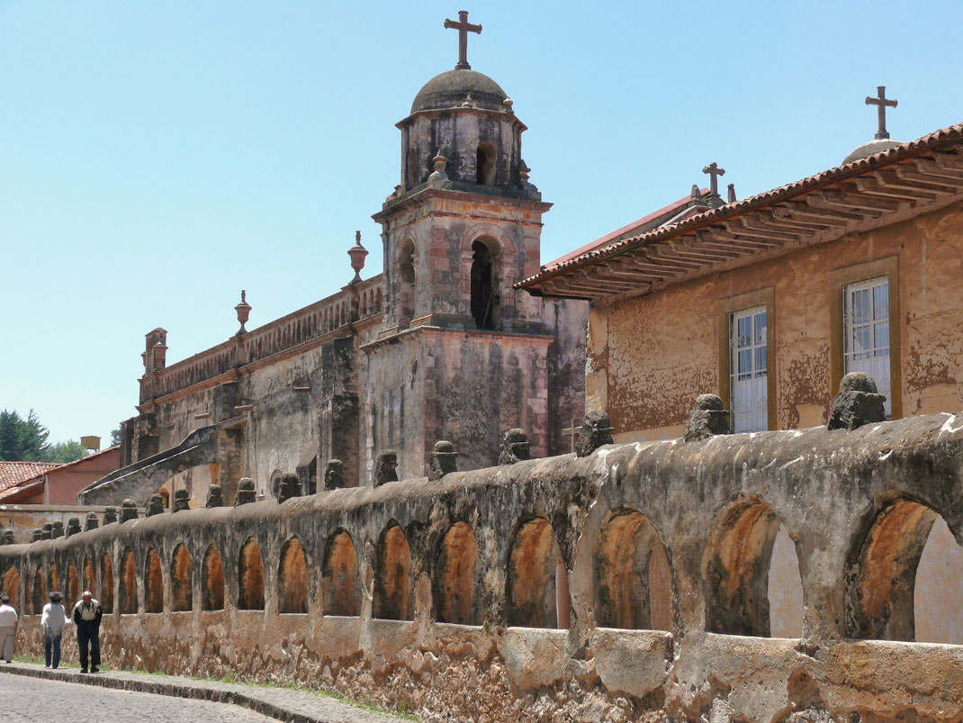 Dem Templo del Sagrario aus dem 17. Jahrhundert sieht man sein Alter an  (Foto Jörg Schwarz)