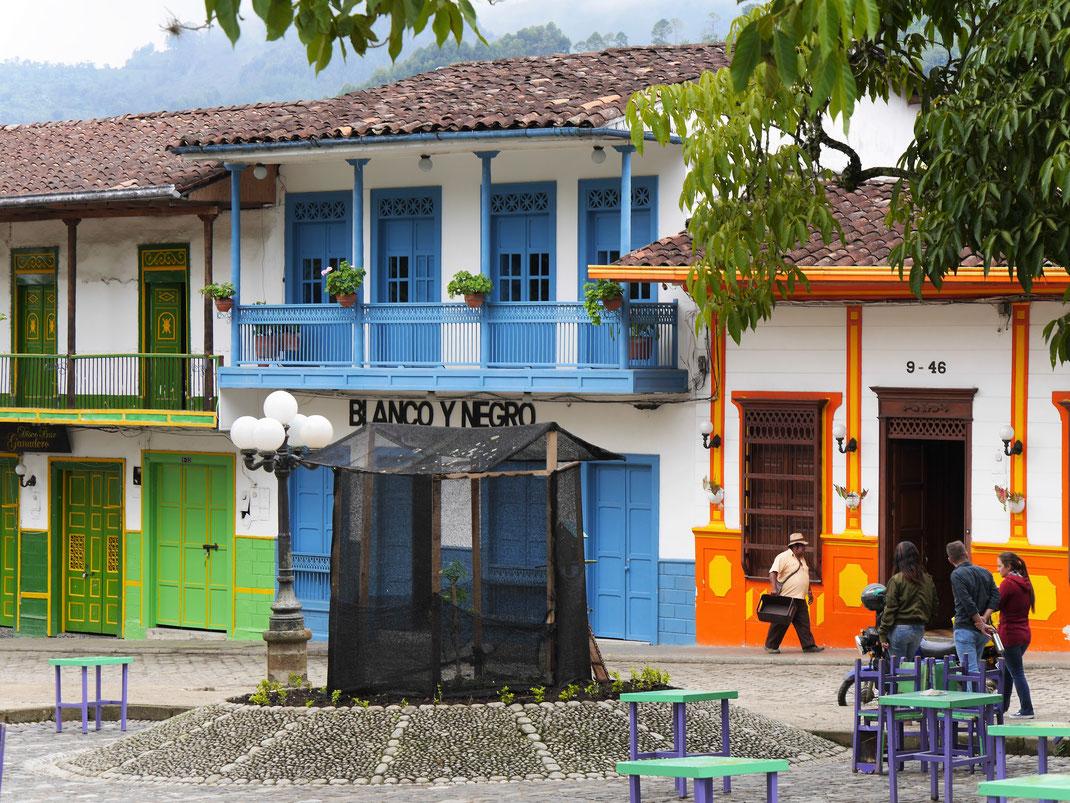 Wer auf koloniale Schmuckkästchen steht, der wird hier glücklich... Jardin, Kolumbien (Foto Jörg Schwarz)