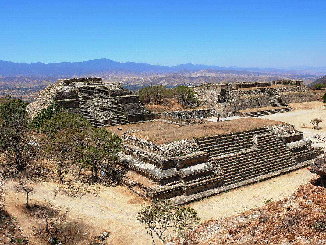 Die antike Zapotekenstadt ist vor allem deshalb so gut erhalten, weil sie aufgrund ihrer Lage von den spanischen Eroberern offenbar nicht entdeckt wurde (Foto Jörg Schwarz)