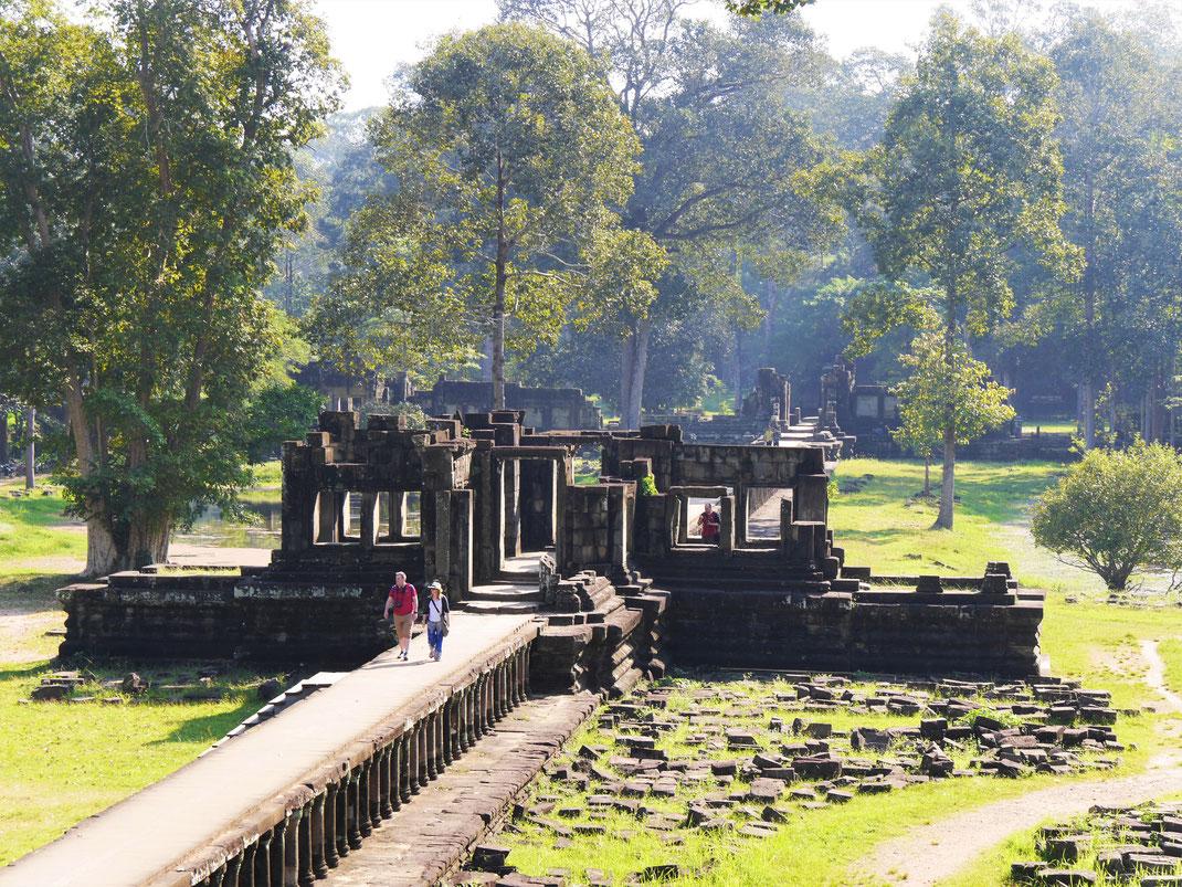 Zugang von der Terrasse der Elefanten aus zum Baphuon, Kambodscha  (Foto Jörg Schwarz)