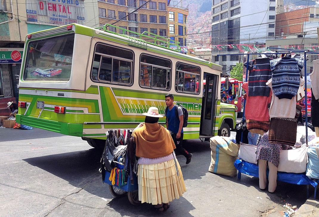 Der quirlige Strassenmarkt in La Paz, La Paz, Bolivia (Foto Jörg Schwarz)