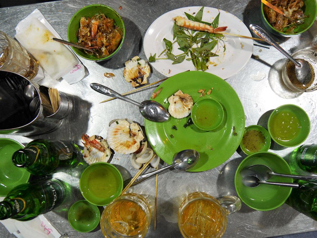 Das wir es dennoch fast noch geschafft haben: Respekt, Respekt! Es war aber auch zum hinknien...! Ho-Chi-Minh-Stadt, Vietnam (Foto Jörg Schwarz)
