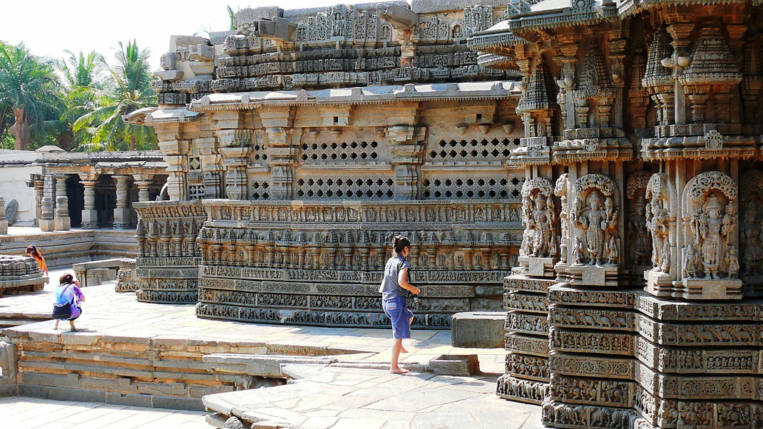 Skulpturen Spurenwechsler In der Spur Reise Blog Schwarz Jörg Indien Tempel Karnataka Kultur Highlight TIPS