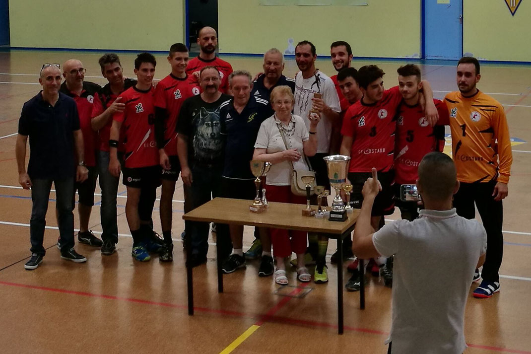 Tournoi CAPO : le trophée pour la JA isle Handball