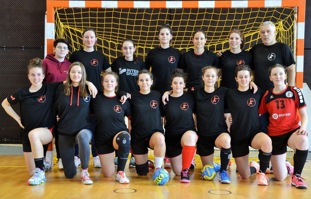 Photo d'équipe lors du 1/16ème de finale de la Coupe de France