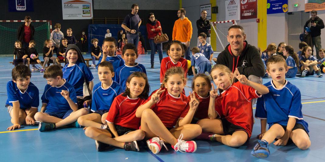 L'équipe de la JA Isle Handball attend le Père Noël