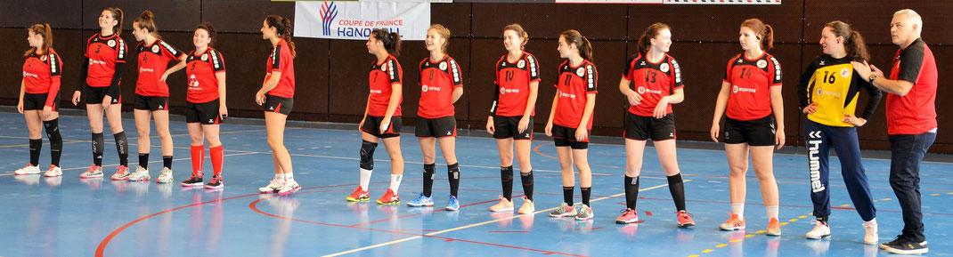 Présentation de l'équipe de la JA Isle Handball avant le match.