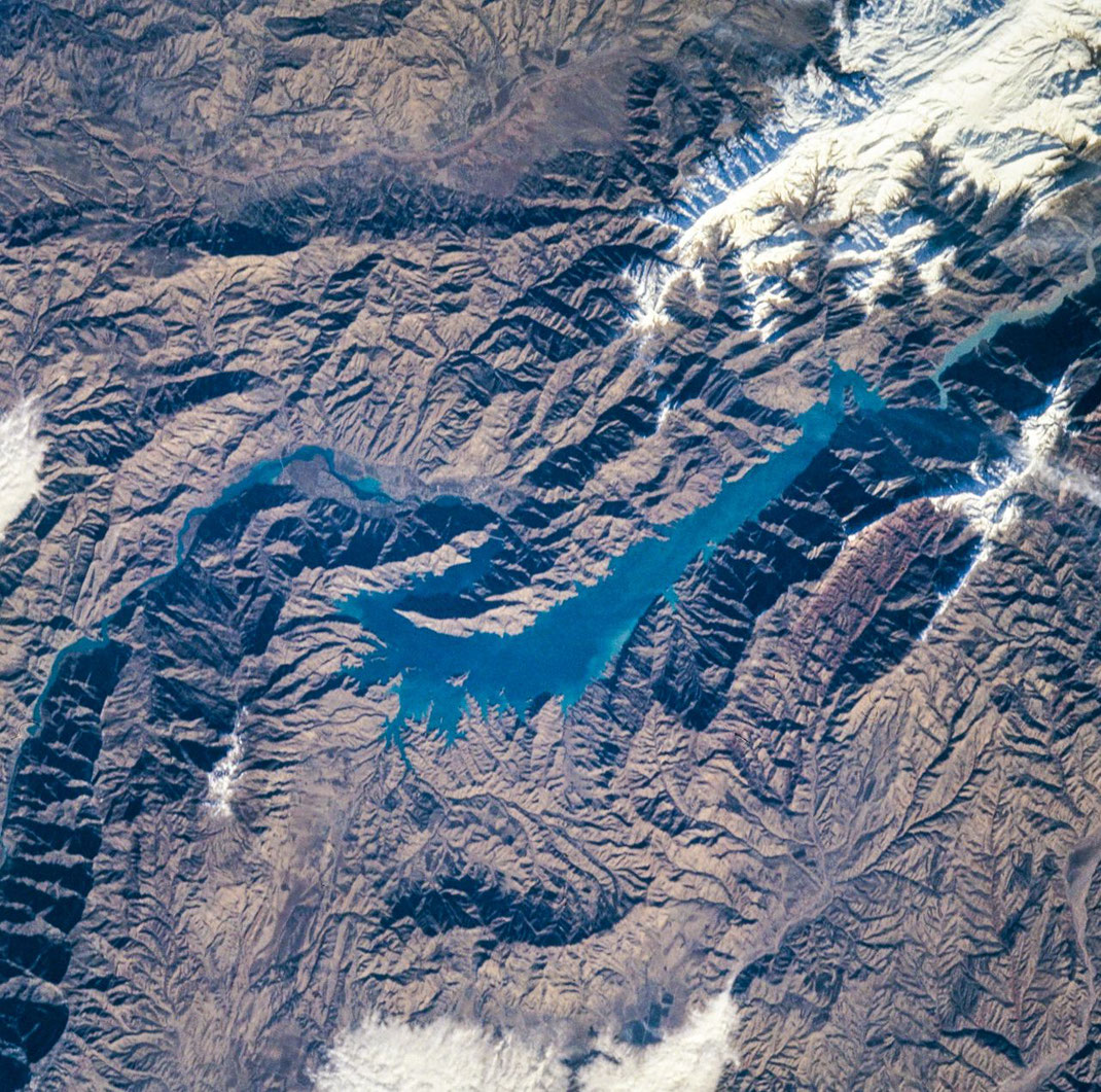 Nurek Reservoir, Tajikistan - Image courtesy of the Earth Science and Remote Sensing Unit, NASA Johnson Space Center, Mission-Roll-Frame: STS088-706-89