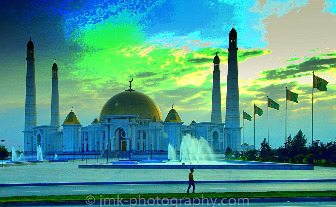 Aschgabat, Turkmenistan. Kipchak Mosque and Mausoleum of Turkmenbashi