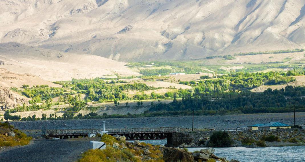 Tajikistan. Eshkashem, bridge to Afghanistan