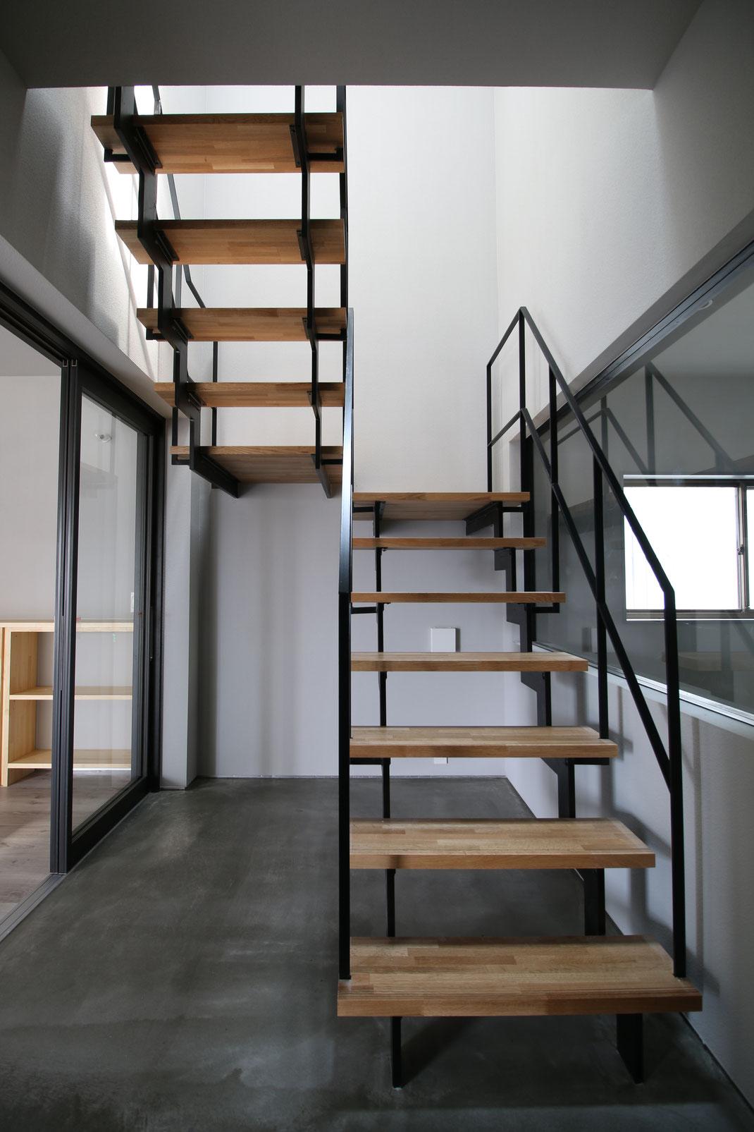 住宅鉄骨階段