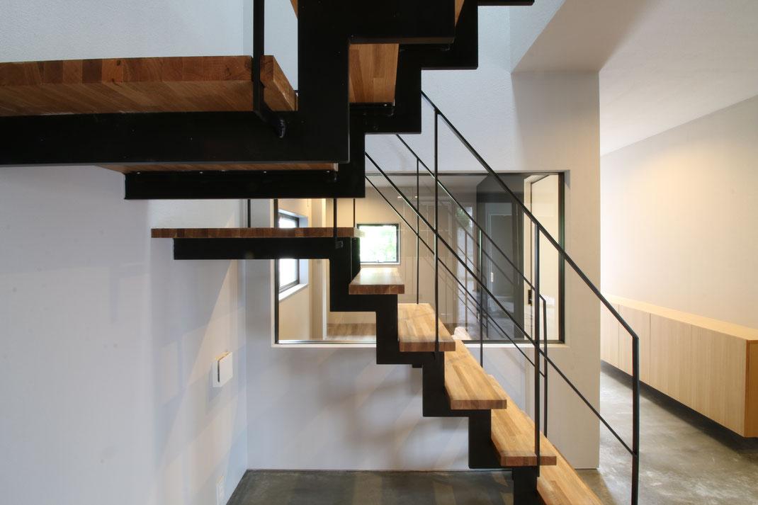 住宅の鉄骨階段 リノベーション・空間デザイン