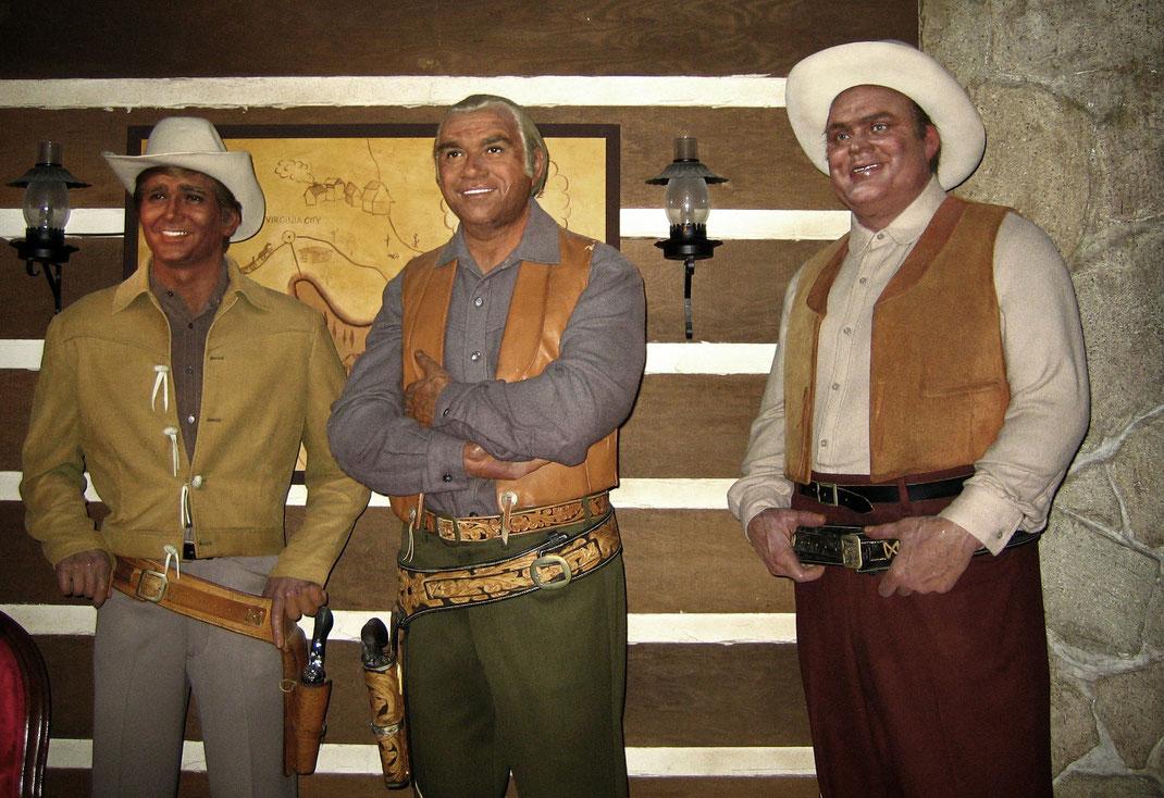 Wachsfiguren von 3 Familienmitgliedern der Cartwright-Familie aus der Serie Bonanza.