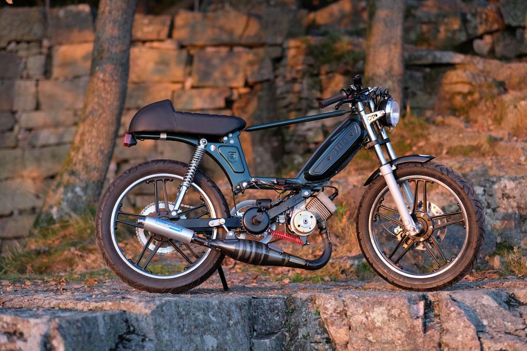 peugeot 103 rennumbau 2017 jr mopeds restaurationen. Black Bedroom Furniture Sets. Home Design Ideas